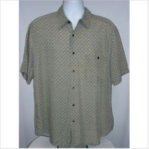 Clairborne Men's Large Shirt